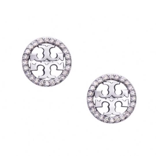 Preload https://img-static.tradesy.com/item/25282106/tory-burch-silver-crystal-circle-logo-earrings-0-0-540-540.jpg