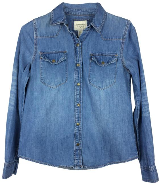 Preload https://img-static.tradesy.com/item/25282149/forever-21-medium-wash-denim-snap-front-cowboy-style-shirt-button-down-top-size-4-s-0-1-650-650.jpg