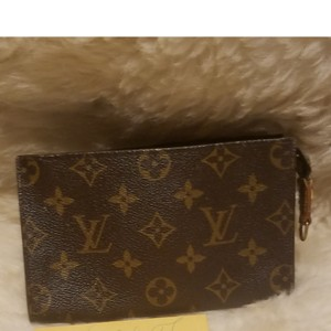 306049d7c0c0 Louis Vuitton Clutches - Up to 70% off at Tradesy (Page 4)