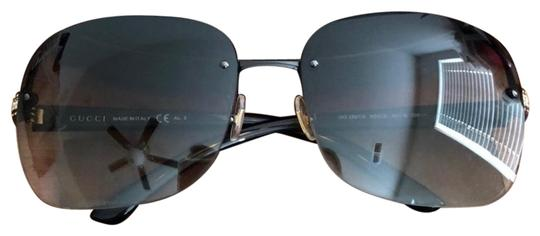 Preload https://img-static.tradesy.com/item/25282196/gucci-brown-with-gold-hardware-sunglasses-0-1-540-540.jpg