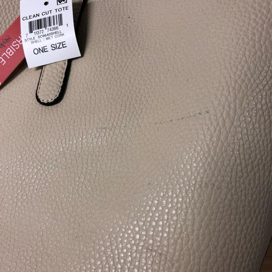 Style & Co Sc9640shell Tote in Shell/Met Cork Image 4