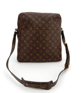 ae7cc9264caf Louis Vuitton Vintage Gm Shoulder Messenger Cross Body Bag