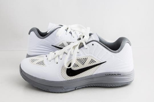 Preload https://img-static.tradesy.com/item/25282979/nike-white-lunar-hypergamer-low-whiteblack-shoes-0-0-540-540.jpg