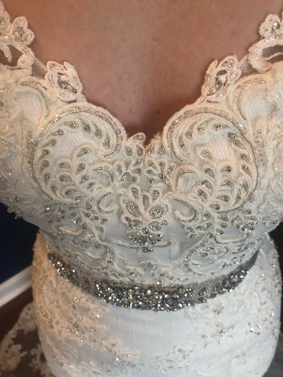 Casablanca Off-white Stunning Lace and Bead - Not Worn Modern Wedding Dress Size 6 (S) Image 10