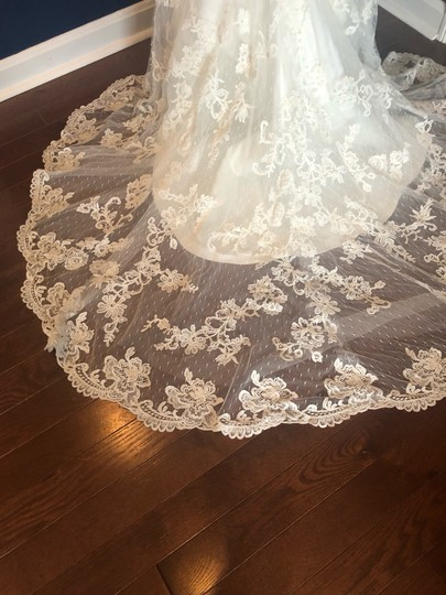 Casablanca Off-white Stunning Lace and Bead - Not Worn Modern Wedding Dress Size 6 (S) Image 2
