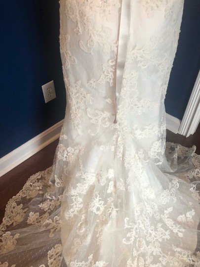 Casablanca Off-white Stunning Lace and Bead - Not Worn Modern Wedding Dress Size 6 (S) Image 4