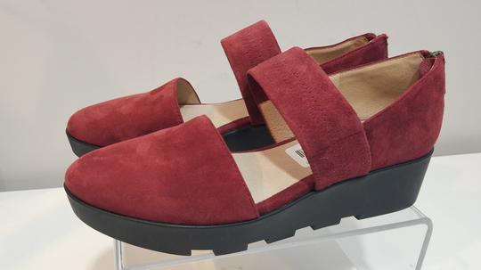 Eileen Fisher red/ wine Flats Image 2
