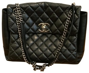ce09cf2f6dbc Chanel Shoulder Bags on Sale - Up to 70% off at Tradesy