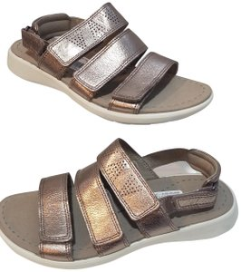 a16b3685c82b Ecco Sandals - Up to 90% off at Tradesy