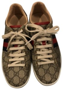 eeee0b117 Gucci Sneakers - Up to 70% off at Tradesy