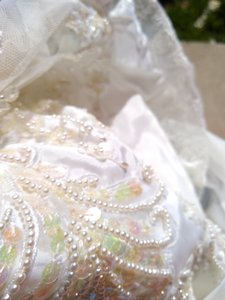 White Satin with Beaded Pearl Design Embrodeted Feminine Wedding Dress Size Petite 4 (S)