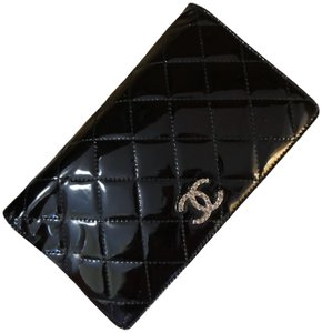 Chanel Black Patent Leather Diamond Quilted Large Continental Wallet / Clutch