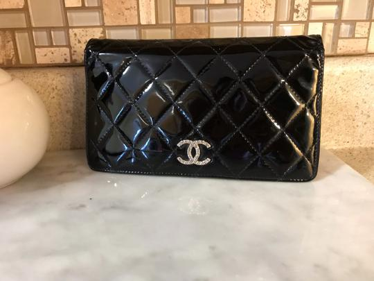 Chanel Black Patent Leather Diamond Quilted Large Continental Wallet / Clutch Image 2