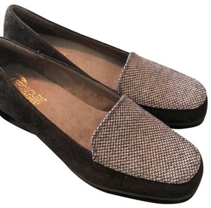 Aerosoles brown with brown/beige print Flats