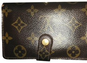 90964654d206 Louis Vuitton Louis Vuitton Tresor French Kiss Monogram wallet with coin  purse