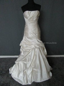 Maggie Sottero Alabaster Satin Fiorella A3325 Feminine Wedding Dress Size 8 (M)