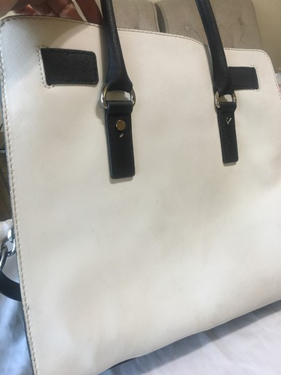 Michael Kors Satchel in white and black Image 3