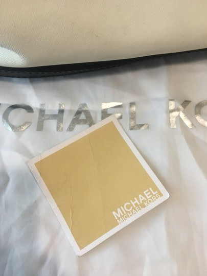Michael Kors Satchel in white and black Image 9