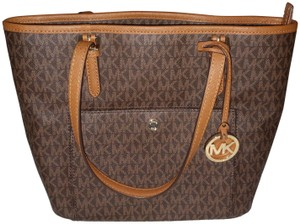 edccf99bb8cf3f Michael Kors on Sale - Up to 80% off at Tradesy