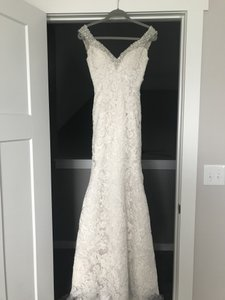Ivory Lace Style Number C261 Formal Wedding Dress Size 0 (XS)