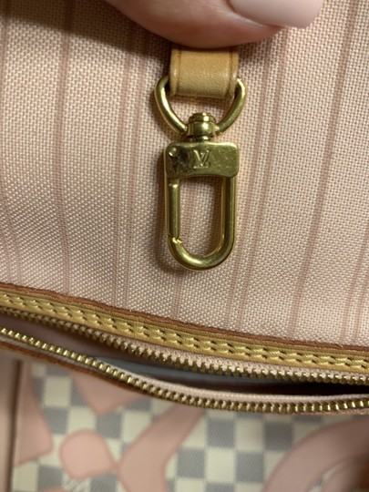 Louis Vuitton Damier Azur Tote in Pink and white Image 8