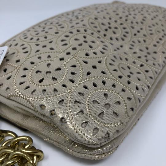 Coach Wristlet in gold Image 7