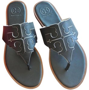 6fe2317e9938 Tory Burch Sandals on Sale - Up to 70% off at Tradesy