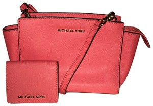d8621bb9ee43 MICHAEL Michael Kors on Sale - Up to 70% off at Tradesy