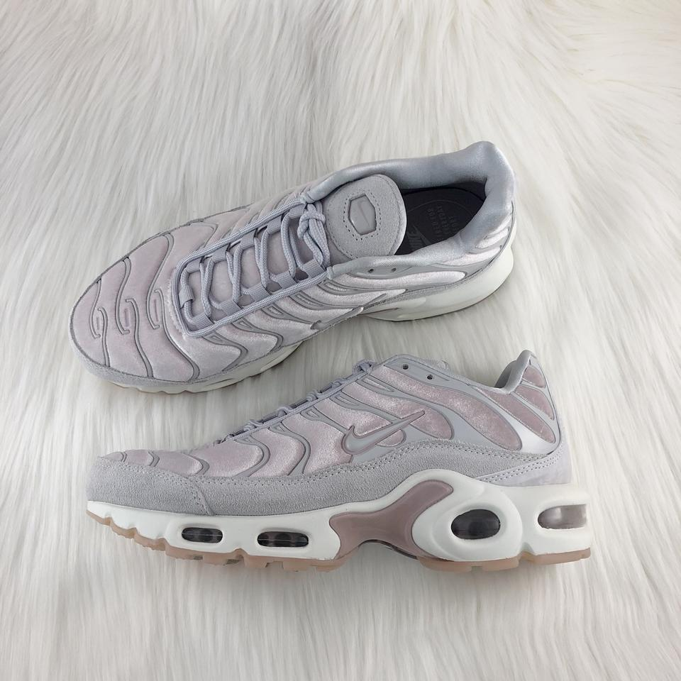 Nike Women's Air Max Plus Lx Velvet Particle Rose Sportswear Added A Velvet Upper That Looks Just As As Sneakers Size US 7.5 Narrow (Aa, N) 23% off