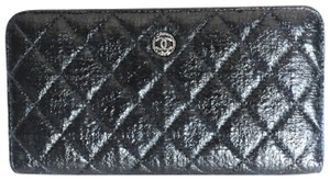Chanel Chanel Black & White Zip Around Quilted Leather Wallet 2