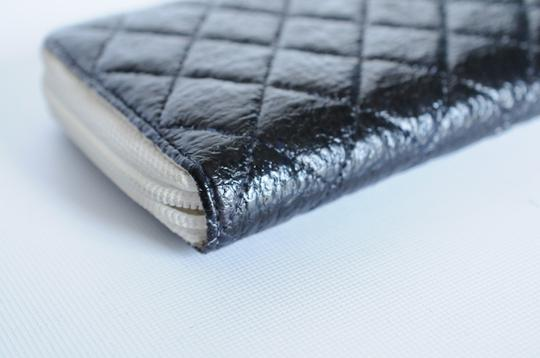 Chanel Chanel Black & White Zip Around Quilted Leather Wallet 2 Image 3