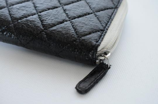 Chanel Chanel Black & White Zip Around Quilted Leather Wallet 2 Image 6