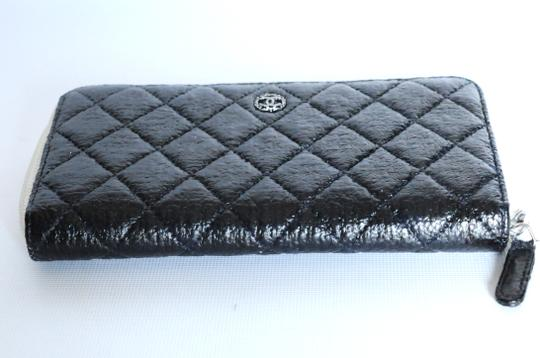 Chanel Chanel Black & White Zip Around Quilted Leather Wallet 2 Image 8