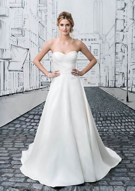 Item - Ivory Taffeta Style 8635 Formal Wedding Dress Size 10 (M)