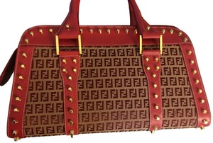 281e6b517cc3 Fendi Bags on Sale - Up to 70% off at Tradesy
