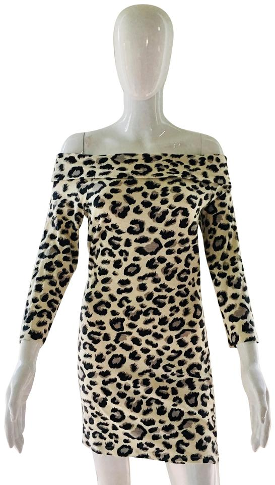 808022ee8fbc H&M short dress White leopard print Off The Shoulder Tunic Fitted on Tradesy  Image 0 ...