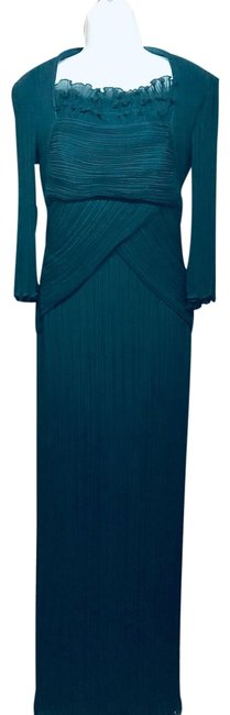 Item - Navy Accordion Long Cocktail Dress Size 6 (S)