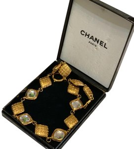Chanel Chanel Vintage Gold Quilted Crystal Choker