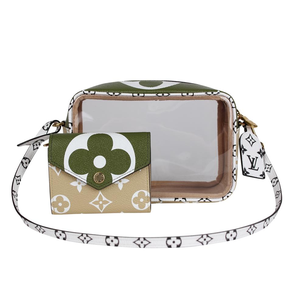 d99cd9e1 Louis Vuitton Camera Translucent Beach Pouch Clear 7276 Green Coated Canvas  Shoulder Bag