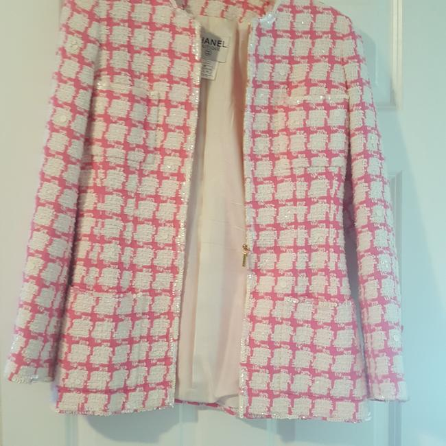 Chanel Beautful pink and white with some sequins placed throughout. Some stains under arm, but no smell or rips. Blazer Image 1