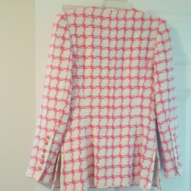 Chanel Beautful pink and white with some sequins placed throughout. Some stains under arm, but no smell or rips. Blazer Image 9