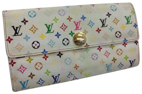 Preload https://img-static.tradesy.com/item/25301744/louis-vuitton-white-multi-color-portefeuille-sarah-bifold-9c210-wallet-0-1-540-540.jpg