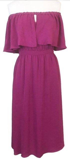 Item - Berry Off The Shoulder Flounce Midid Mid-length Casual Maxi Dress Size 8 (M)