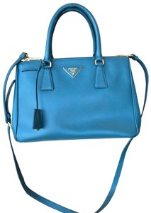 3796395ed0f3 Prada Bags on Sale - Up to 70% off at Tradesy (Page 56)