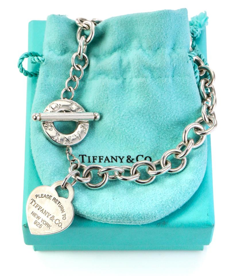 2711bbf0dc7c9 Tiffany & Co. Sterling Silver Heart Tag Charm On Circle Chain Toggle  Necklace 29% off retail