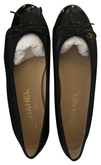 Preload https://img-static.tradesy.com/item/25304326/chanel-black-ballerina-flats-size-us-7-regular-m-b-0-1-540-540.jpg