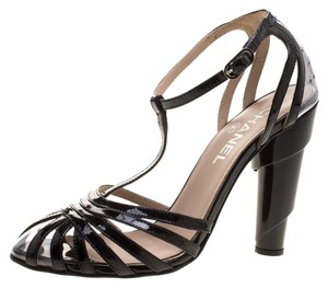 1b50048bf6ae Chanel Sandals on Sale - Up to 70% off at Tradesy
