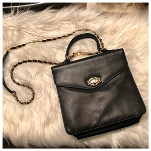 Lord Taylor Timeless Vintage Black Leather Cross Body Bag 86 Off Retail