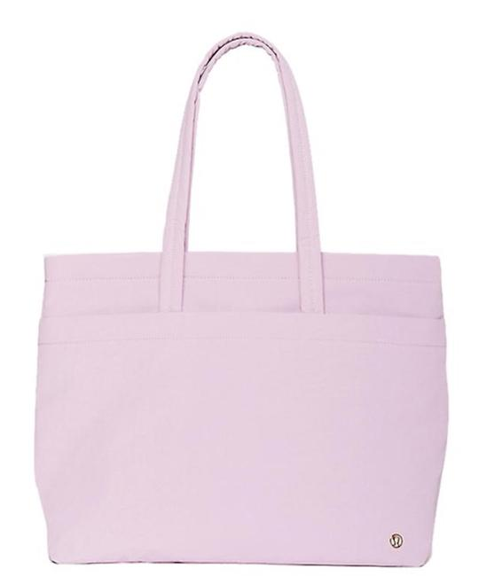 Item - On My Level Large - Ante (Antoinette) Lilac Lavender Purple Nylon/Polyester Tote