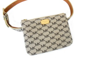 0a5a634af679a4 Michael Kors Crossbody Bags - Up to 70% off at Tradesy